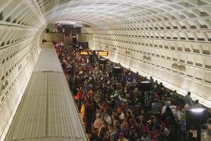 Metro w godzinach szczytu zjd. en.wikipedia